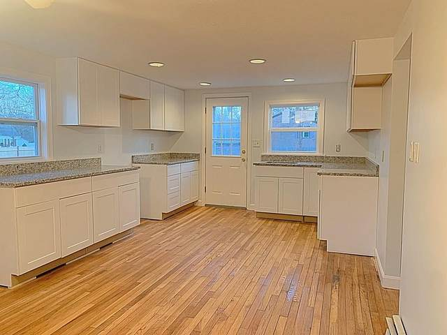 279 Club Valley Dr, Falmouth, MA 02536 (MLS #72620502) :: Kinlin Grover Real Estate