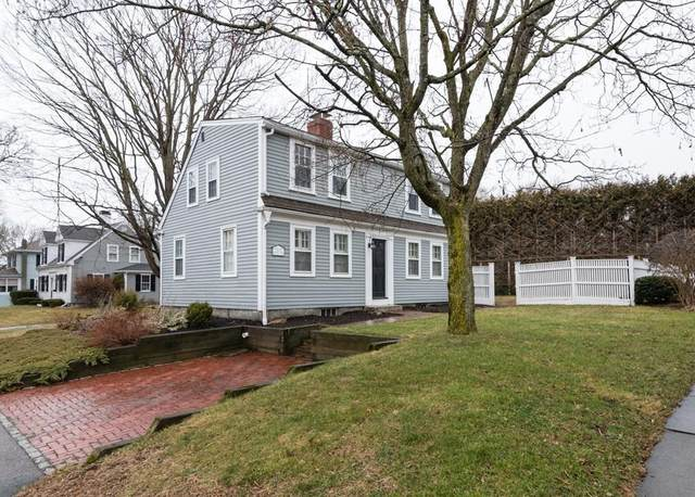 18 Pond St, Hingham, MA 02043 (MLS #72621855) :: The Gillach Group