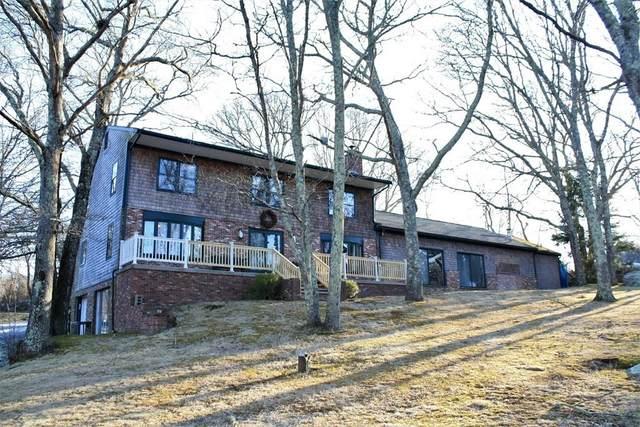 935 East Rd, Tiverton, RI 02878 (MLS #72622957) :: Welchman Real Estate Group