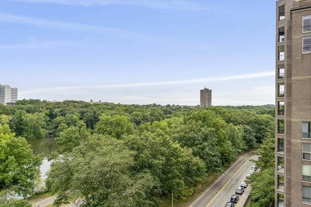 33 Pond Ave #1003, Brookline, MA 02445 (MLS #72623676) :: Conway Cityside