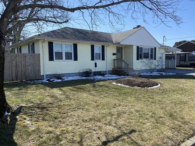 77 Robert Gray Ave, Tiverton, RI 02878 (MLS #72630177) :: The Duffy Home Selling Team