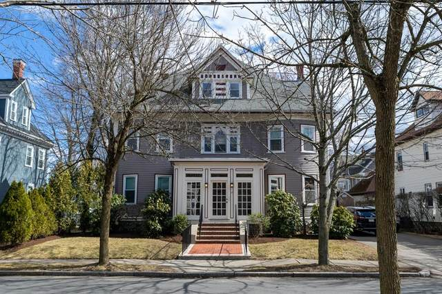 14 Rowe St, Newton, MA 02466 (MLS #72636321) :: Spectrum Real Estate Consultants