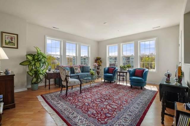 422 John Mahar Highway #301, Braintree, MA 02184 (MLS #72658228) :: Maloney Properties Real Estate Brokerage