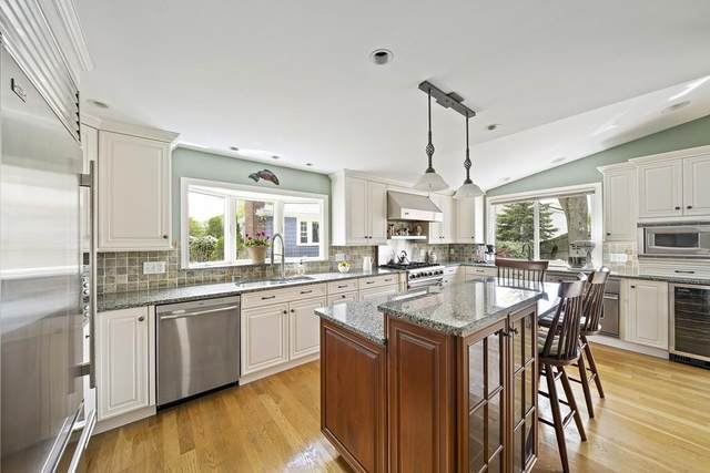 65 Tarbox St, Dedham, MA 02026 (MLS #72658399) :: The Gillach Group