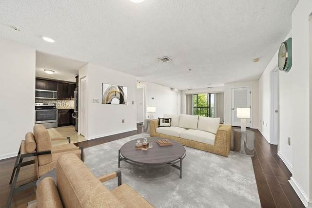 3920 Mystic Valley Pkwy #320, Medford, MA 02155 (MLS #72663159) :: Berkshire Hathaway HomeServices Warren Residential