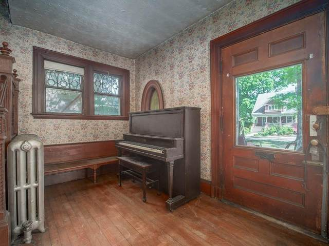 10 Centervale Park, Boston, MA 02124 (MLS #72663666) :: Anytime Realty