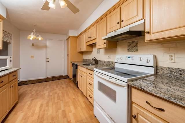 9 Rainbow Pond Drive #6, Walpole, MA 02081 (MLS #72664955) :: Maloney Properties Real Estate Brokerage