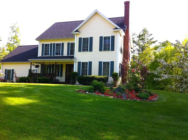 29 Robinson St, Brentwood, NH 03833 (MLS #72669684) :: The Seyboth Team