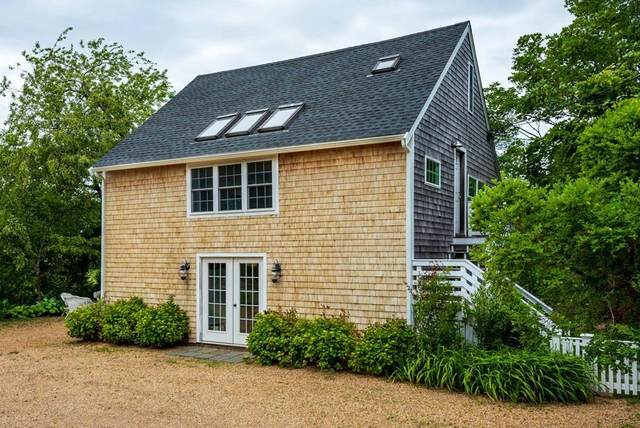 49 Mill St, Edgartown, MA 02539 (MLS #72682725) :: Kinlin Grover Real Estate