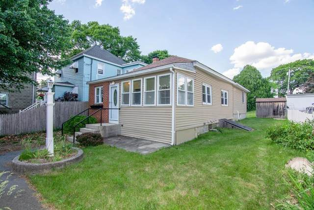90 Bay State Rd, Methuen, MA 01844 (MLS #72683977) :: Kinlin Grover Real Estate