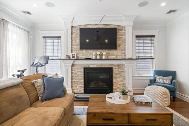 9 M St #4, Boston, MA 02127 (MLS #72685553) :: DNA Realty Group