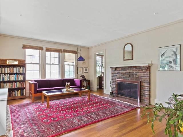 59 Rowena, Newton, MA 02459 (MLS #72686943) :: The Seyboth Team