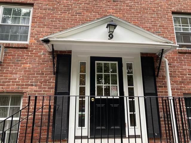 9 Colonial Village #6, Arlington, MA 02474 (MLS #72687863) :: Welchman Real Estate Group