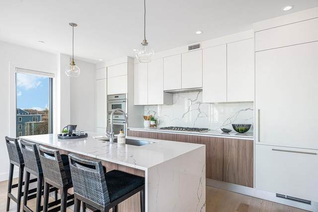 53 Silver St #501, Boston, MA 02127 (MLS #72688805) :: Zack Harwood Real Estate | Berkshire Hathaway HomeServices Warren Residential