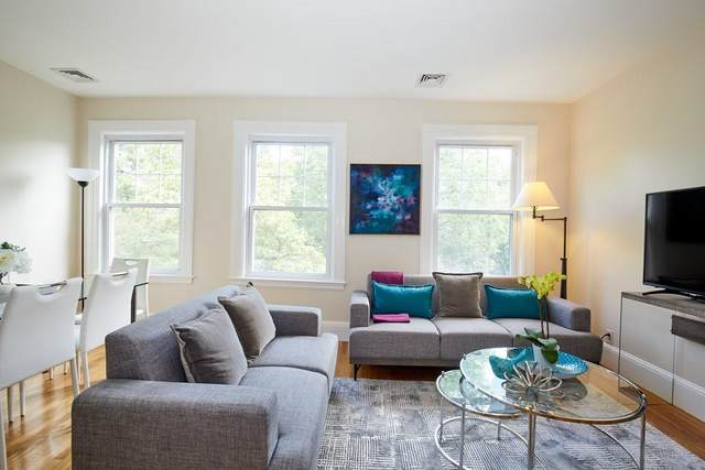 92 Coolidge St #2, Brookline, MA 02446 (MLS #72701264) :: Berkshire Hathaway HomeServices Warren Residential