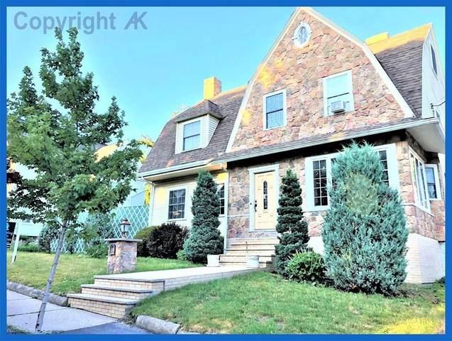 37 Langdon Avenue, Watertown, MA 02472 (MLS #72702074) :: Berkshire Hathaway HomeServices Warren Residential