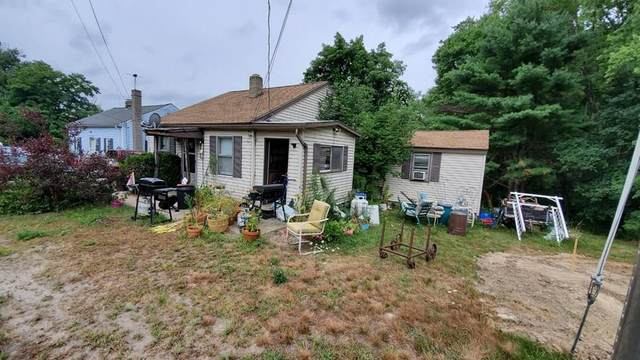 65 Hartford Ave W, Mendon, MA 01756 (MLS #72703735) :: Berkshire Hathaway HomeServices Warren Residential