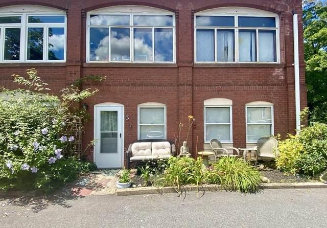 61 Crescent Street #7, Northampton, MA 01060 (MLS #72704365) :: NRG Real Estate Services, Inc.