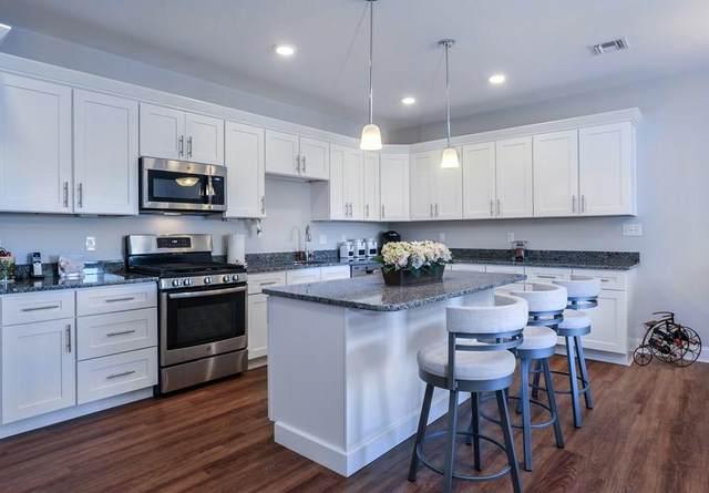 2 Longwood Lane #209, Hanover, MA 02339 (MLS #72706389) :: Zack Harwood Real Estate | Berkshire Hathaway HomeServices Warren Residential