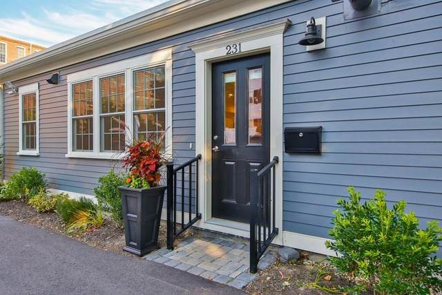 231 Merrimac #231, Newburyport, MA 01950 (MLS #72710343) :: Kinlin Grover Real Estate