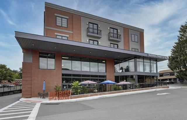 35 Bridge #207, Great Barrington, MA 01230 (MLS #72727738) :: Welchman Real Estate Group