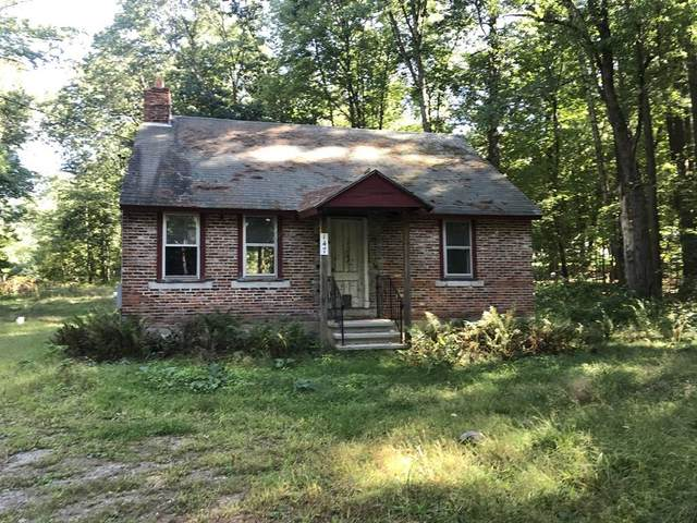 147 Red Acre Road, Stow, MA 01775 (MLS #72729594) :: The Seyboth Team