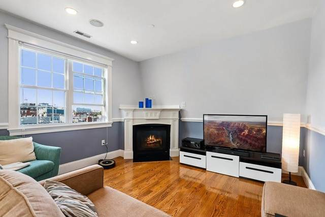 236 Bunker Hill St #4, Boston, MA 02129 (MLS #72730906) :: The Gillach Group