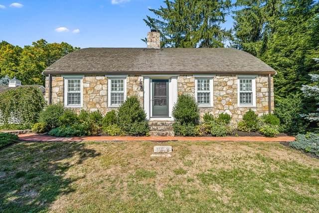 62 Leighton Rd, Wellesley, MA 02482 (MLS #72732333) :: Berkshire Hathaway HomeServices Warren Residential