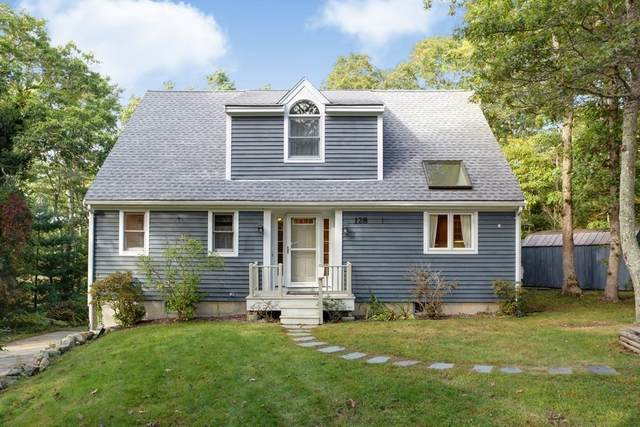 128 Blacksmith Shop Rd, Falmouth, MA 02540 (MLS #72737714) :: Zack Harwood Real Estate | Berkshire Hathaway HomeServices Warren Residential