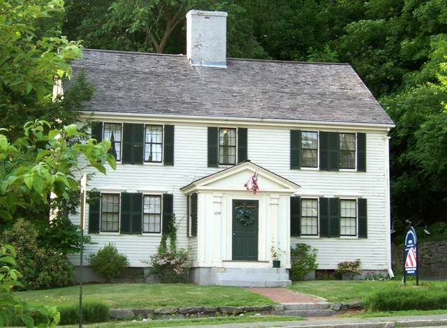 1694 Main St, Concord, MA 01742 (MLS #72742242) :: Kinlin Grover Real Estate