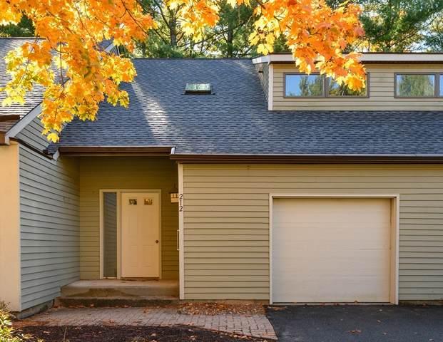 212 Fairway Village #212, Northampton, MA 01053 (MLS #72744158) :: Zack Harwood Real Estate | Berkshire Hathaway HomeServices Warren Residential