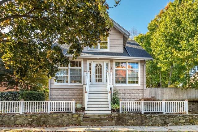 8 Russell St, Melrose, MA 02176 (MLS #72745382) :: Cosmopolitan Real Estate Inc.