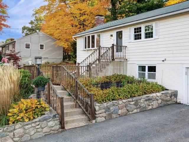 13 Hickory Ln, Hudson, MA 01749 (MLS #72745919) :: Westcott Properties