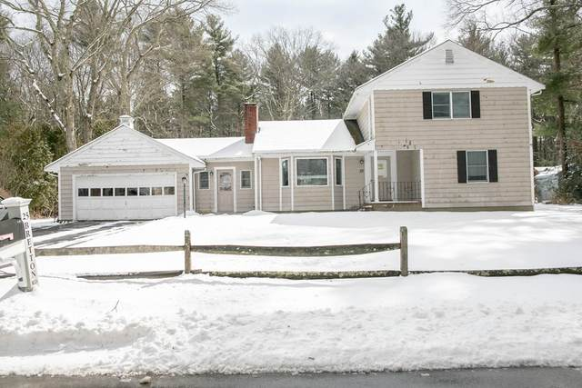 25 Bretton Rd, Dover, MA 02030 (MLS #72747913) :: The Seyboth Team