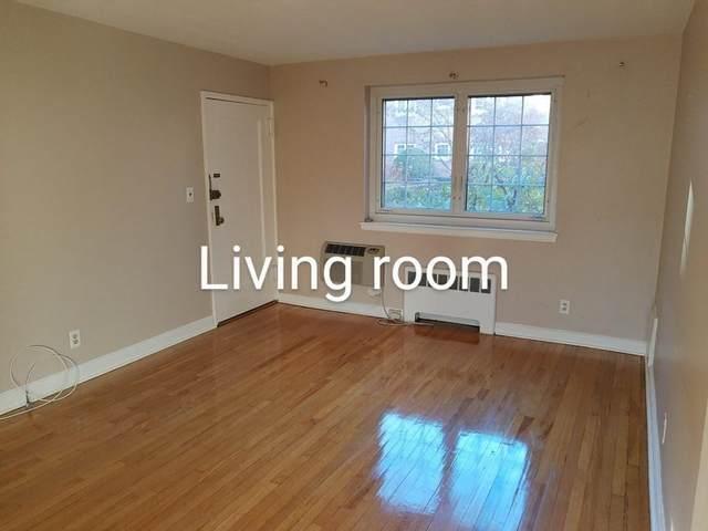 24 Saint Paul St #1, Brookline, MA 02446 (MLS #72748011) :: Cosmopolitan Real Estate Inc.