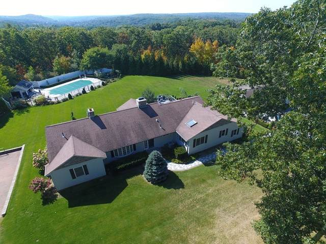 35 Comstock Drive, Wrentham, MA 02093 (MLS #72749852) :: The Gillach Group