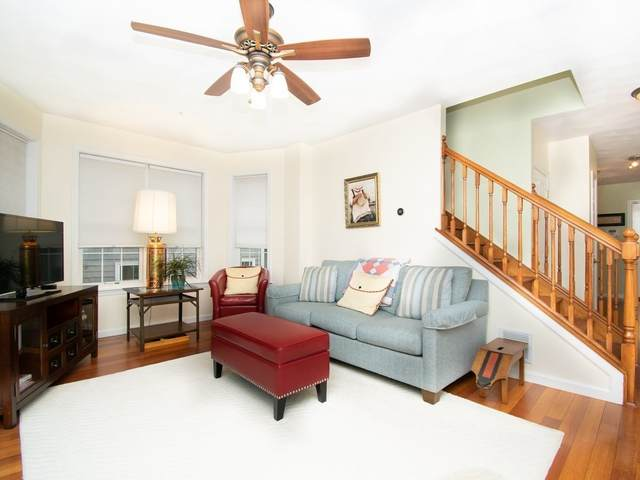 53 Ash Ave #1, Somerville, MA 02145 (MLS #72750377) :: Conway Cityside