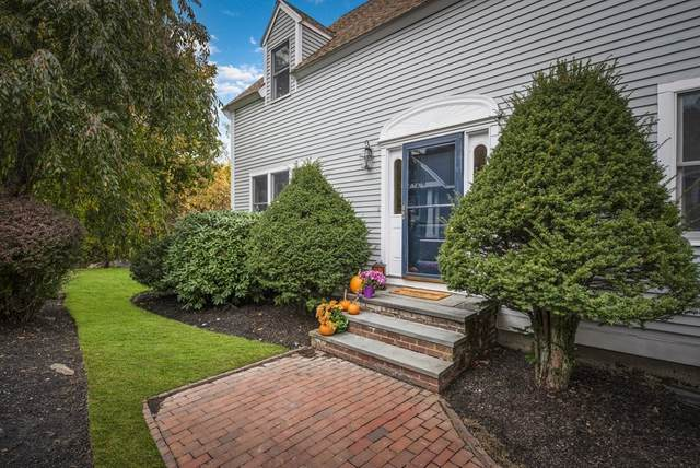 228 W Shore Dr, Marblehead, MA 01945 (MLS #72750635) :: Conway Cityside