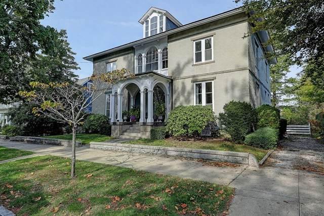 89 State St, Bristol, RI 02809 (MLS #72753032) :: Kinlin Grover Real Estate