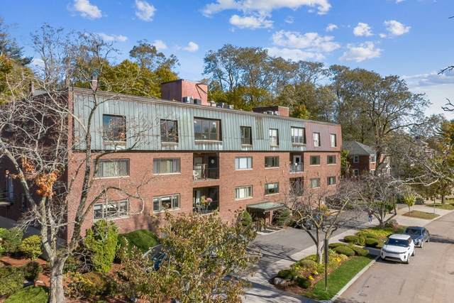 209 Commonwealth Ave 2C, Newton, MA 02467 (MLS #72754188) :: EXIT Cape Realty