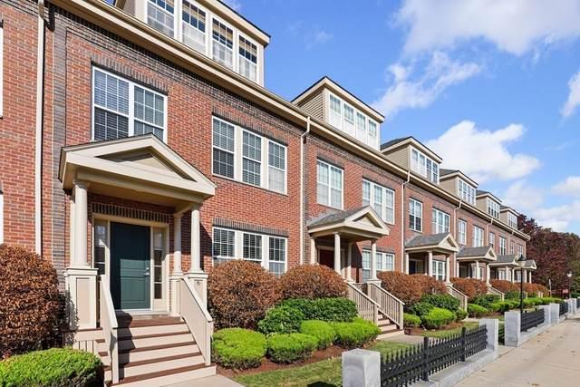 2 Powder Mill Sq #6, Andover, MA 01810 (MLS #72755372) :: Cosmopolitan Real Estate Inc.