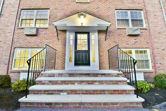 7 Colonial Village Dr #1, Arlington, MA 02474 (MLS #72760983) :: Revolution Realty