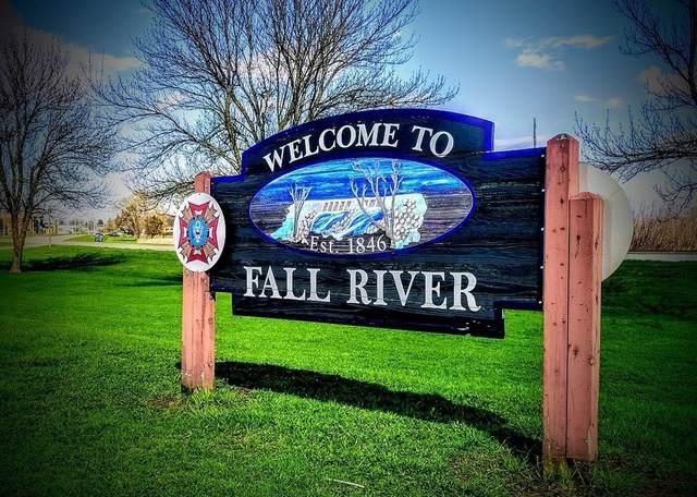 851 Globe St, Fall River, MA 02724 (MLS #72762092) :: Alex Parmenidez Group