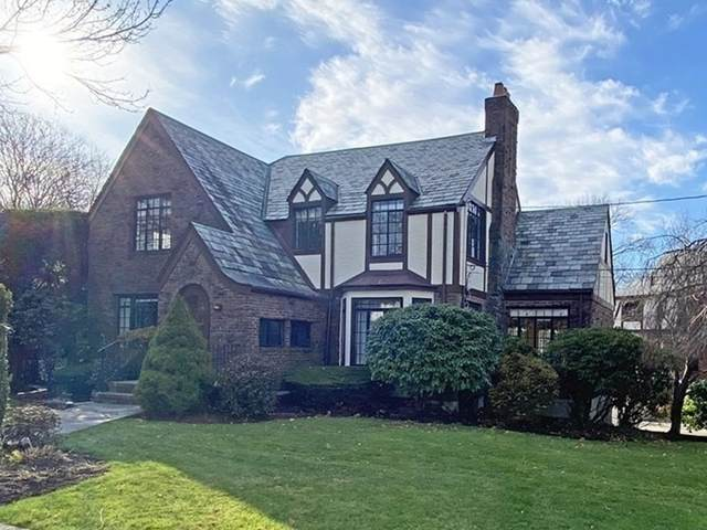 3 Exmoor Road, Newton, MA 02459 (MLS #72763852) :: Welchman Real Estate Group