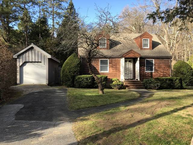 78 Cedar St, Wenham, MA 01984 (MLS #72763859) :: Welchman Real Estate Group