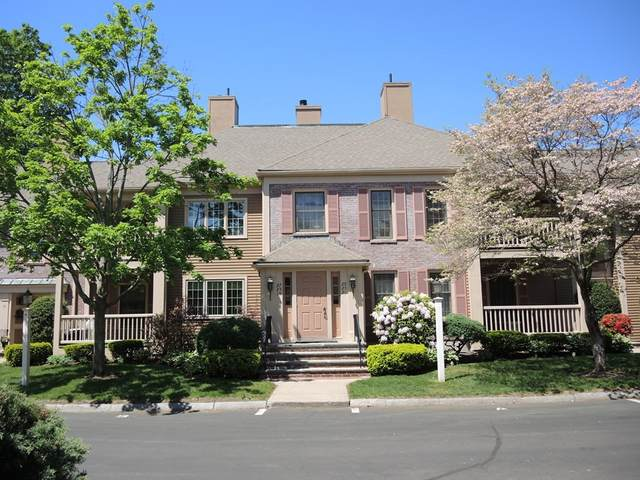 29 Highland Ct #29, Needham, MA 02492 (MLS #72764064) :: The Gillach Group