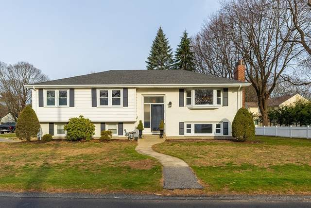 35 Fells Rd, Wellesley, MA 02482 (MLS #72771923) :: Welchman Real Estate Group