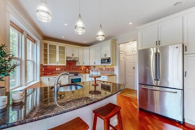 576 Washington St #2, Brookline, MA 02446 (MLS #72772060) :: Cosmopolitan Real Estate Inc.
