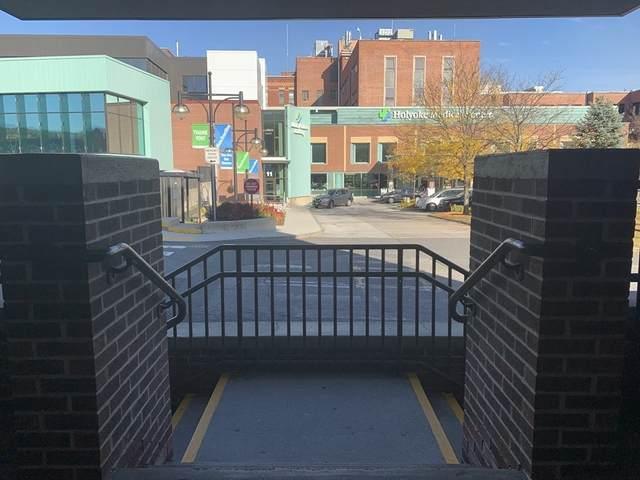 10 Hospital Dr. #306, Holyoke, MA 01040 (MLS #72773939) :: Welchman Real Estate Group