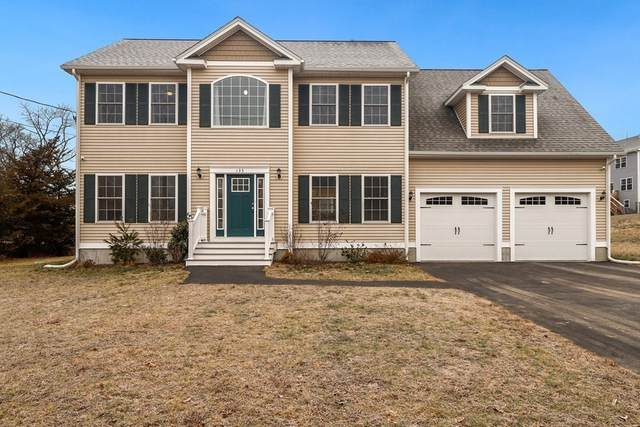 135 Cloverdale Ave, Attleboro, MA 02703 (MLS #72774813) :: The Seyboth Team